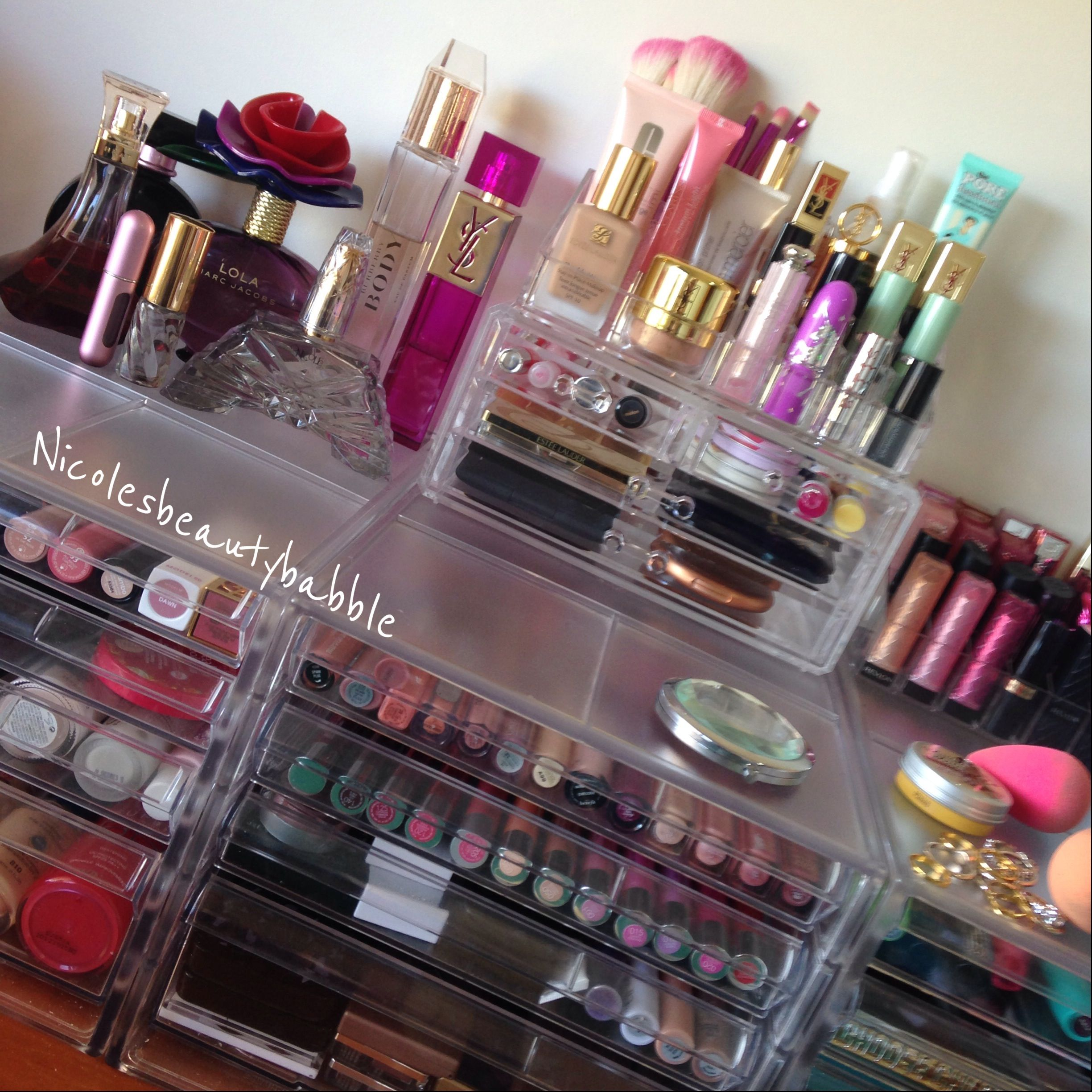 Overview of my makeup collection. Makeup storage, Body