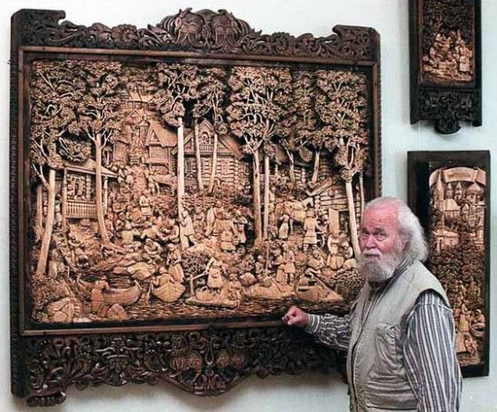 The Mind-Blowing Wood-Carved Paintings of Kronid Gogolev