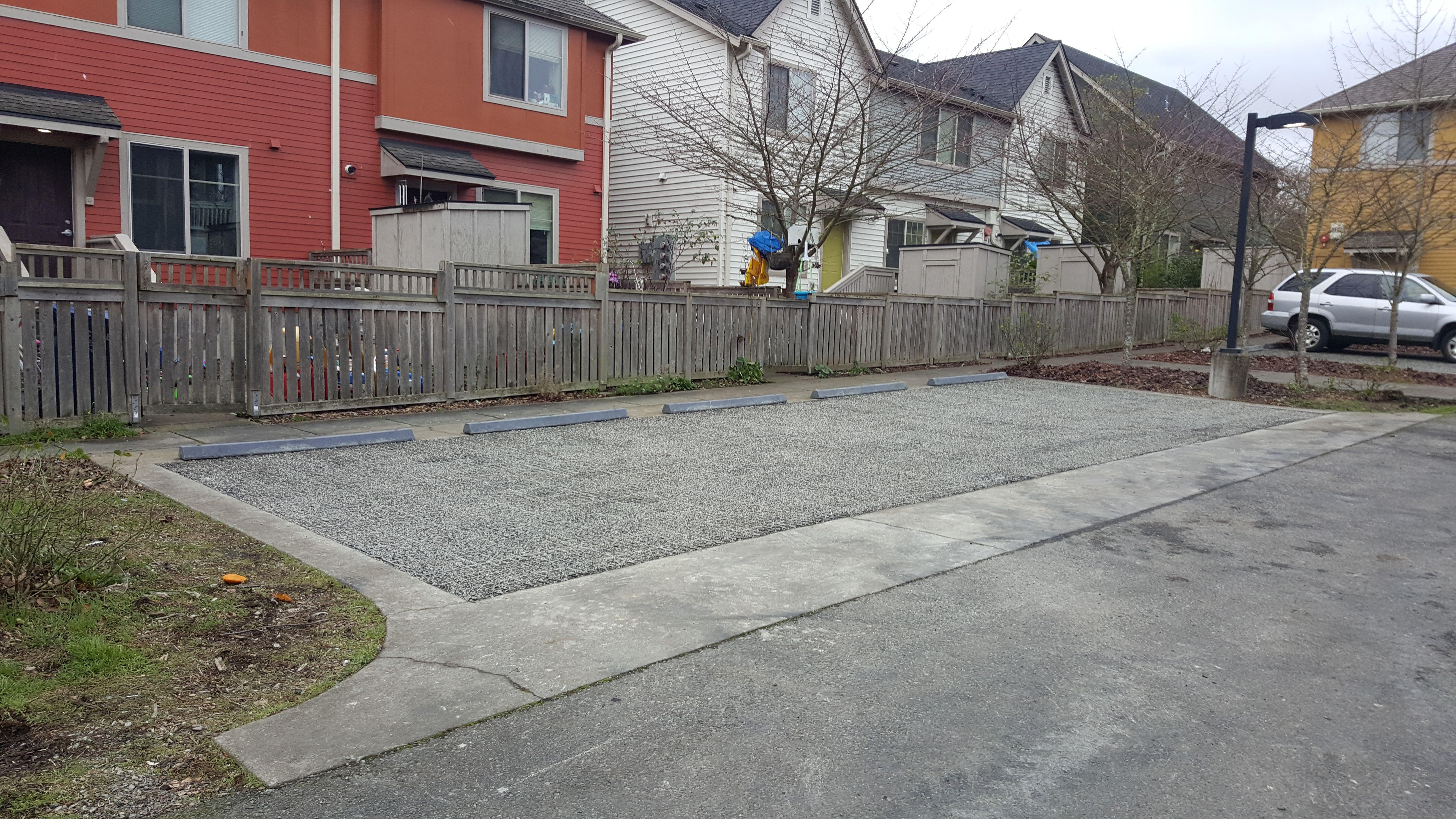 VersiGrid™ gravel parking for residents Paddock mud