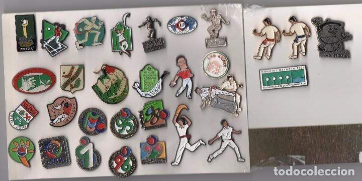 Pin Sports-Lot of 31 pins related to the sport of Basque pelota wing - Photo 1