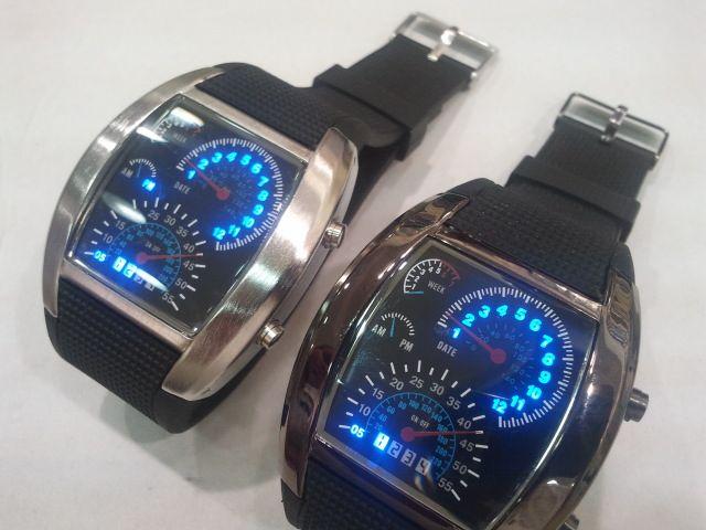 ساعة التيربو علبة وكتالوج وضمان السعر 100 ريال للساعه وللجملة اسعار خاصة Samsung Gear Watch Wearable Smart Watch