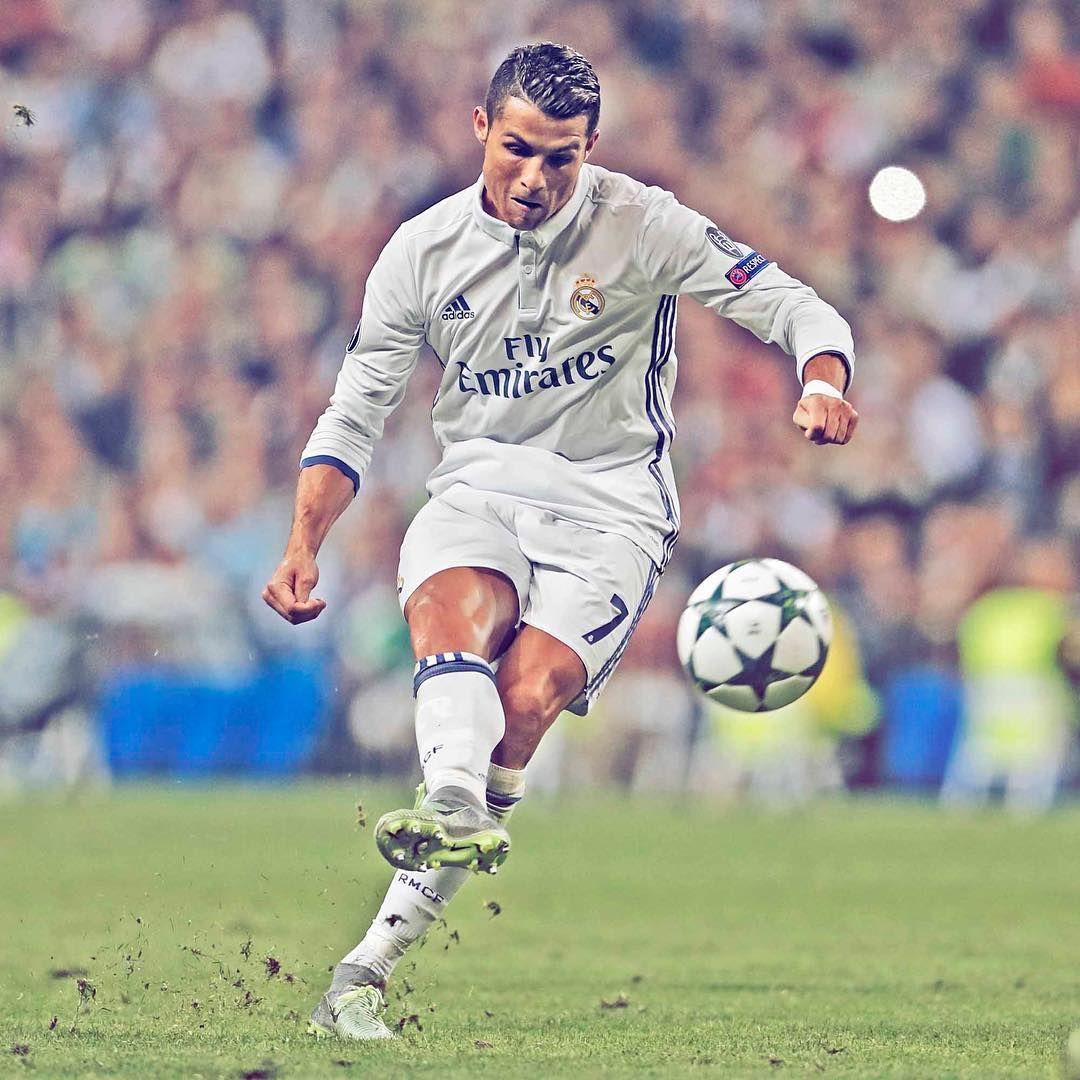 Official Profile Of Real Madrid C F 11 Times European Champions Fifa Best Club Of The 20th Century With Images Cristiano Ronaldo Ronaldo Cristiano Ronaldo Free Kick