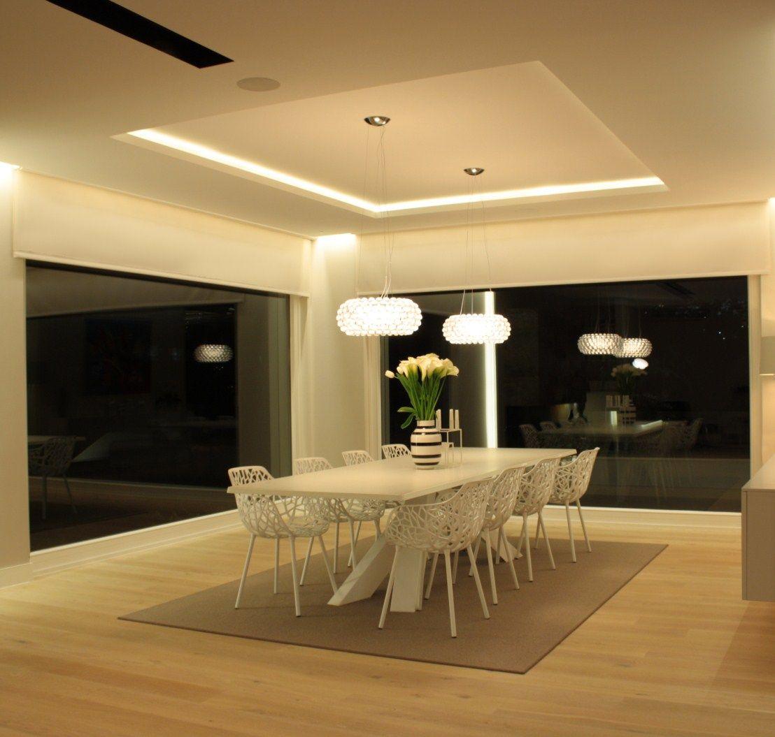 Lamparas Para Baños Minimalistas:de comedor con tira de LED oculta en candilejas y con lamparas de