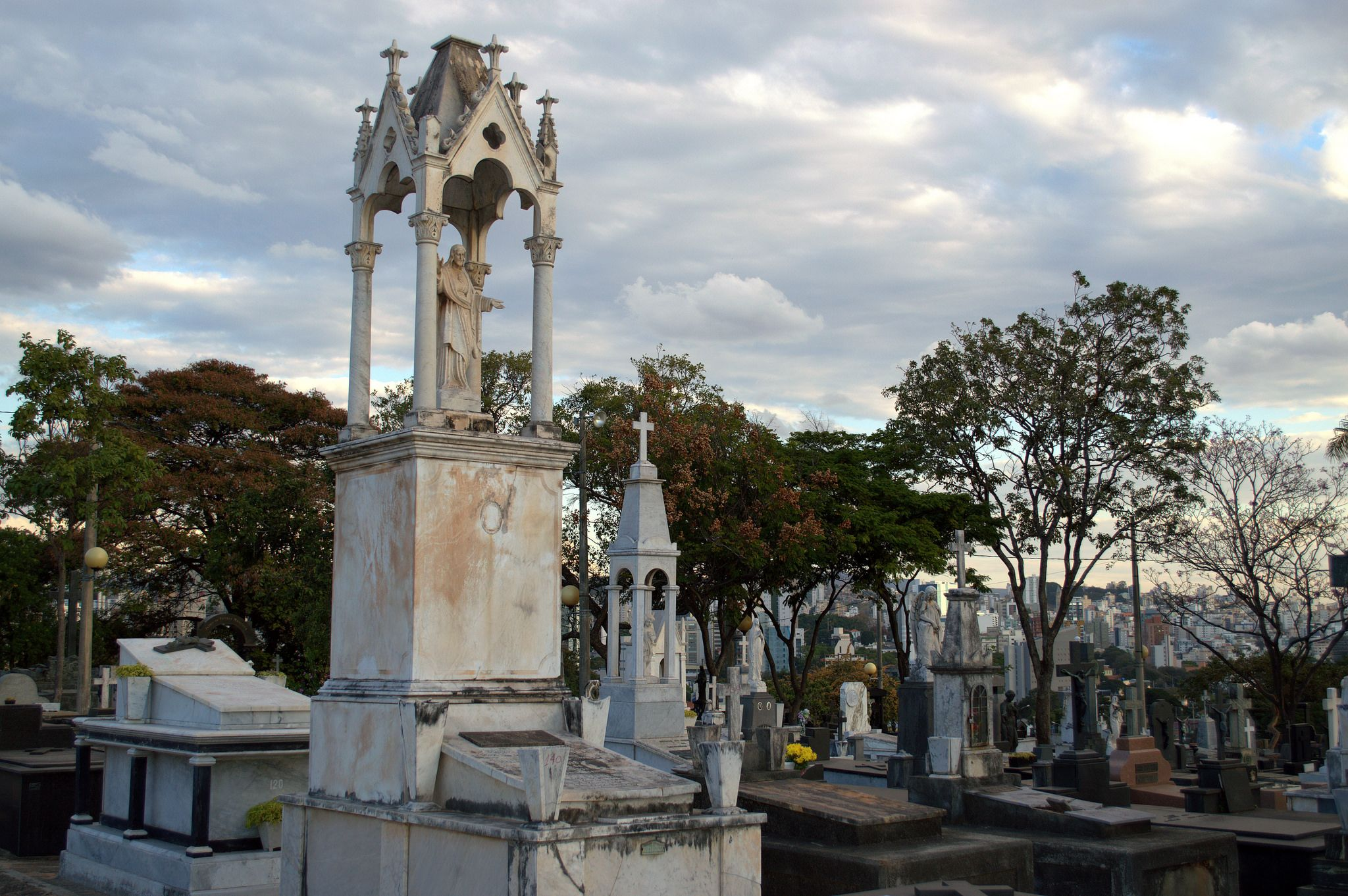 https://flic.kr/p/C6jk6d | cemiterio 22
