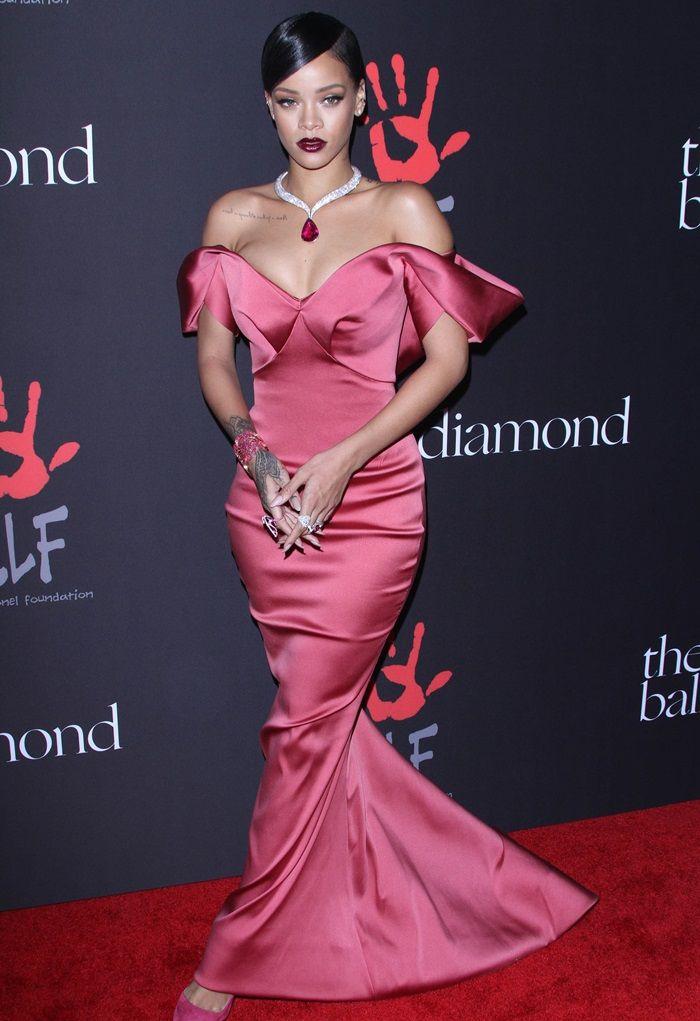 Rihanna Stuns with Chopard Diamond Necklace at Diamond Ball