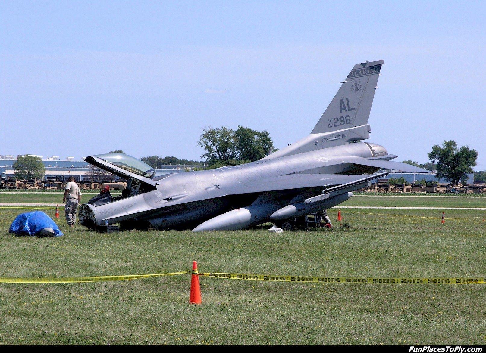 Aviation Aircraft Photo F16 Crash at AirVenture 2011