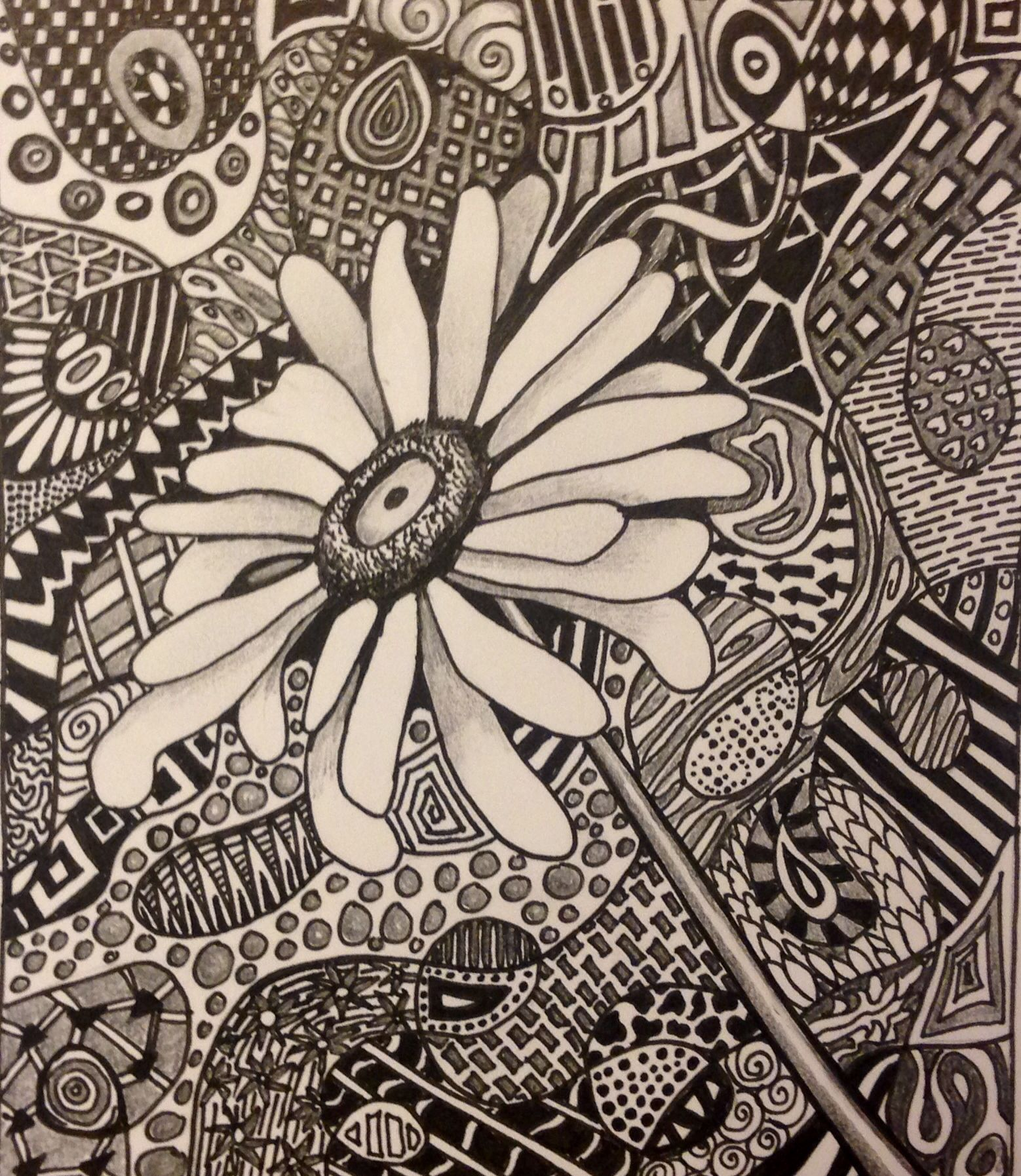 zentangle by sandy blanc love the idea of the focal point without a pattern. Black Bedroom Furniture Sets. Home Design Ideas