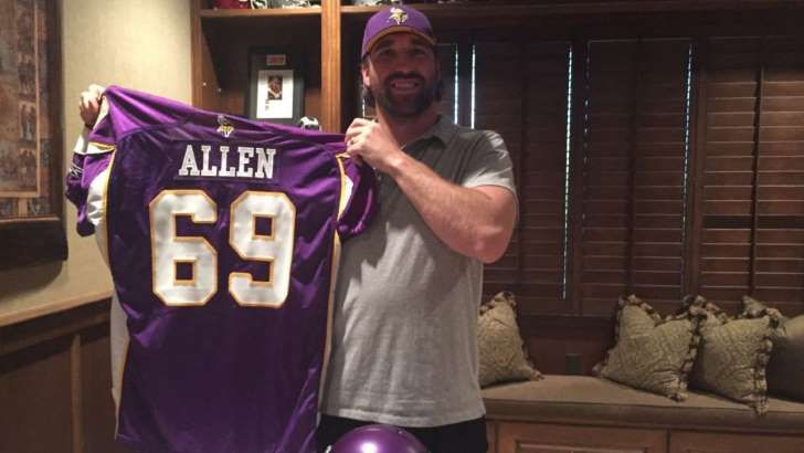 Allen signs one-day contract to retire as Viking
