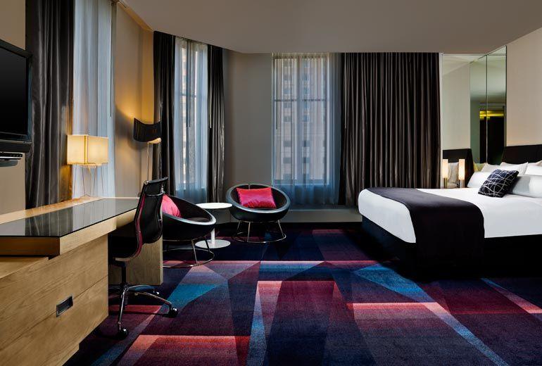 Cool Corner King Guest Room---W MINNEAPOLIS