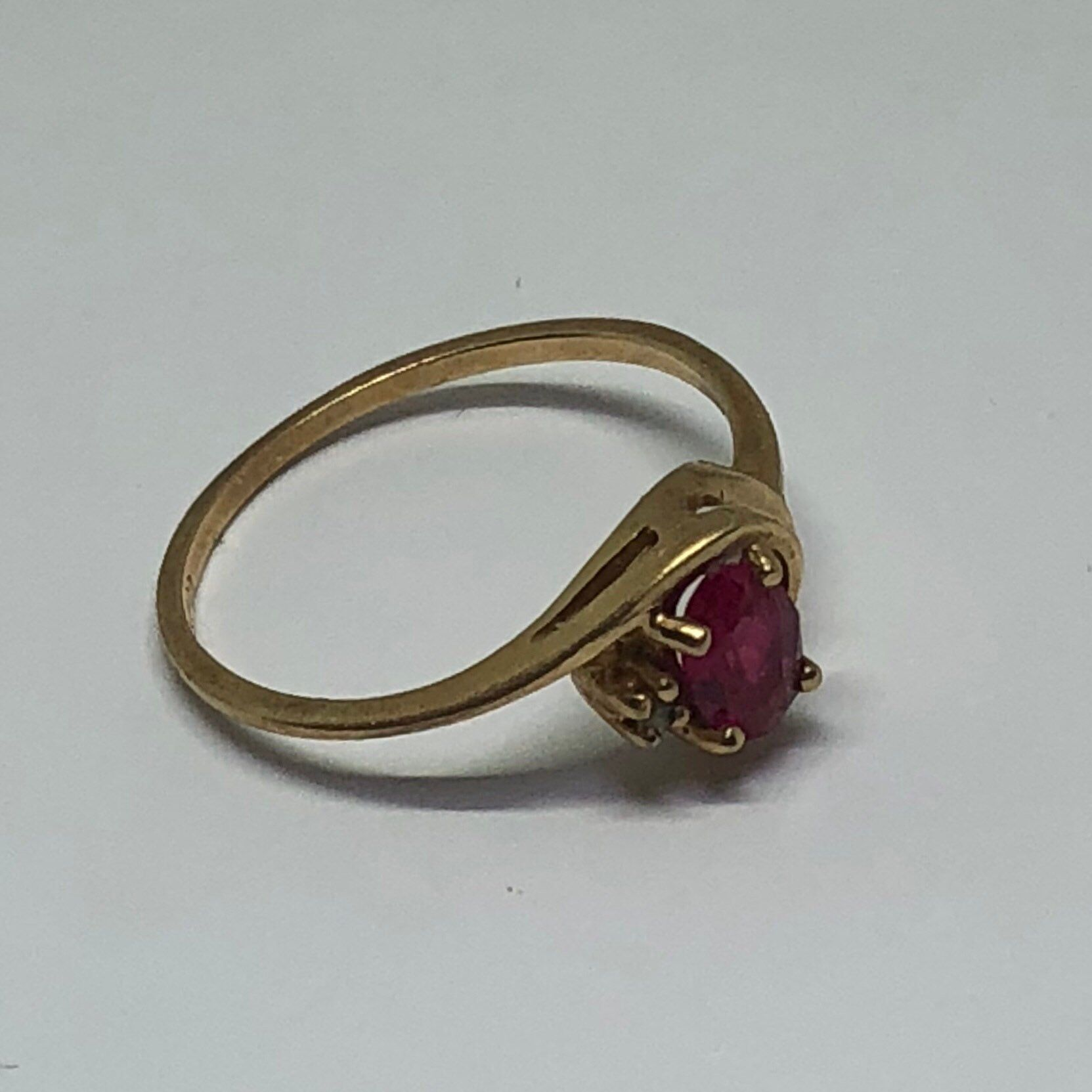 Gold Red Ring 10k Gold Ring Size 6 1 2 Vintage 10k Yellow Gold Ring Unknown Light Red Colored Stone More Likely A Ruby Then A Garnet With Images Yellow Gold Rings