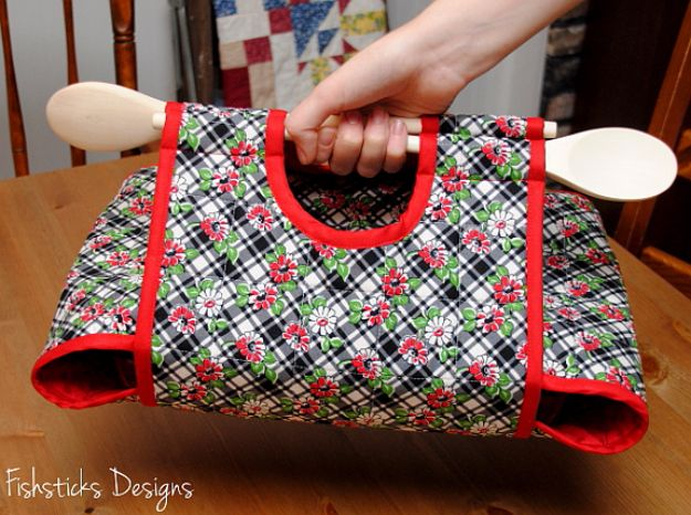 37 Quilted Gift Ideas You Can Make For Just About Anyone ... : quilting presents - Adamdwight.com