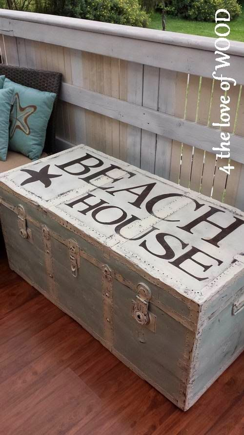 PAINTING A METAL TRUNK - beach house inspiration