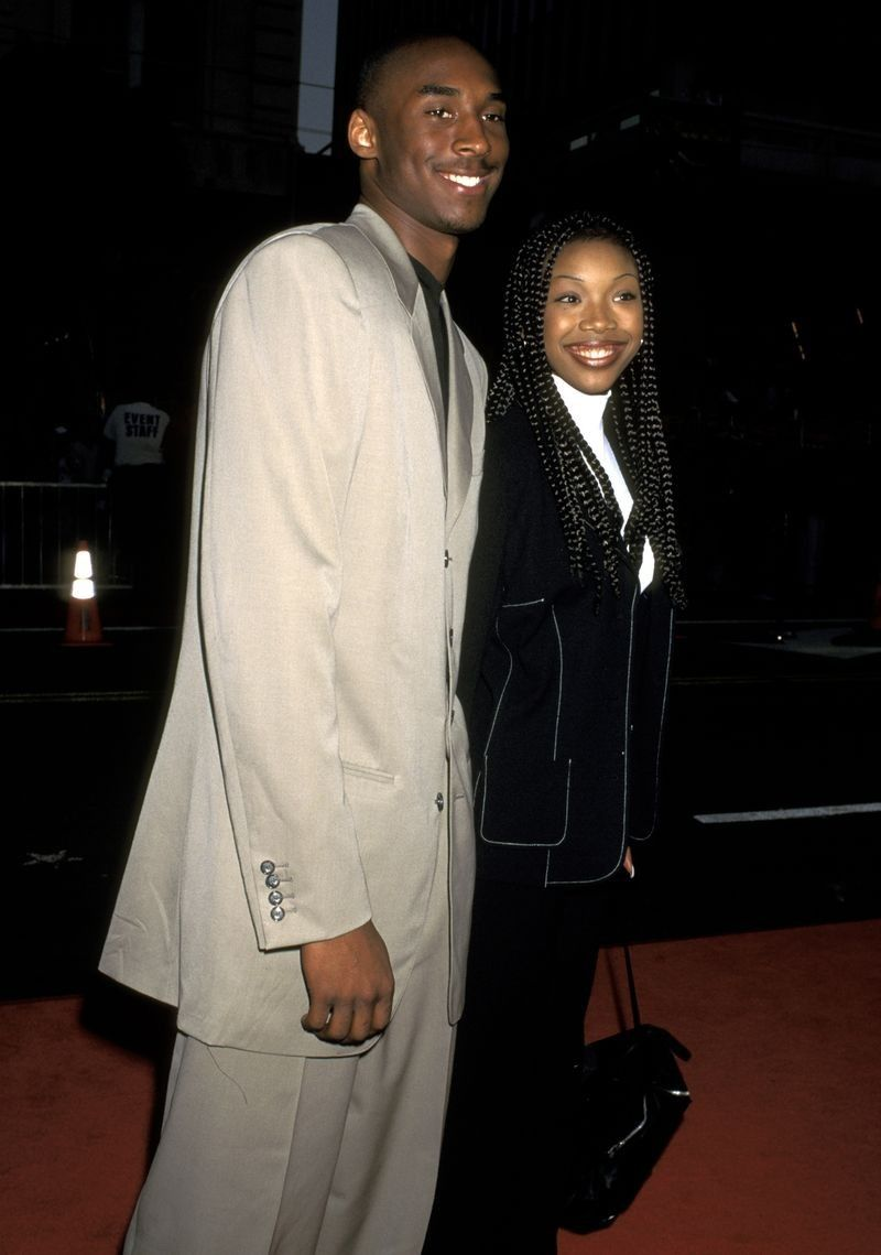 Before Kobe Bryant Met And Married Vanessa Laine Bryant He Dated R B Star Brandy Kobe Bryant Daughters Kobe Bryant Kobe Bryant Family