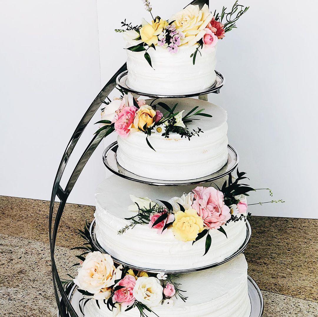 Tort Weselny Z Zywymi Kwiatami O 16cm 21cm 28cm 33cm 15kg Waniliowy Biszkopt Z Cytrynowym Nasaczeniem Przelozony Lekkim Wedding Cakes Diaper Cake Cake