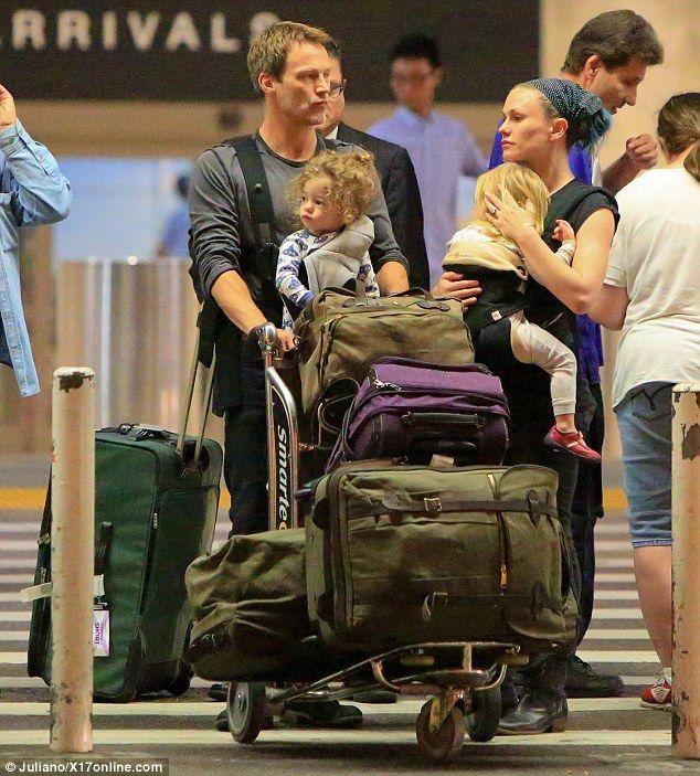 Anna Paquin And Stephen Moyer Land At Lax With Kids Charlie Poppy