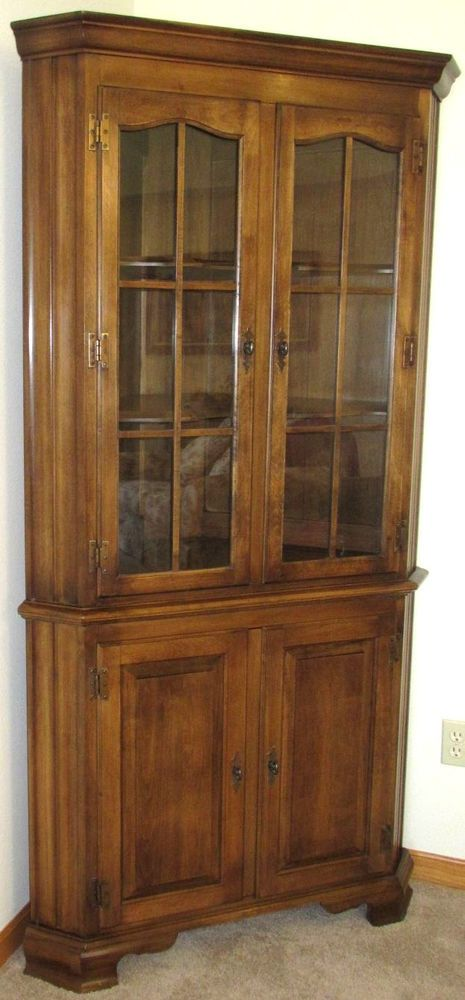 Ethan Allen Mid Century Maple Kling Furniture Corner Curio Cabinet Heirloom Nice Ethlenkling Traditionaltransitional