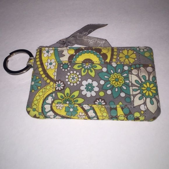 Vera Bradley Card Holder Perfect for an ID or places to keep your cards! Great condition Vera Bradley Bags Wallets