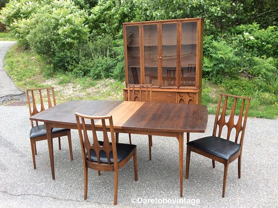 Sold Broyhill Brasilia Walnut Dining Table And Chairs Mid Modern Dining Room Set Mid Century Modern Dining Room Set Walnut Dining Table