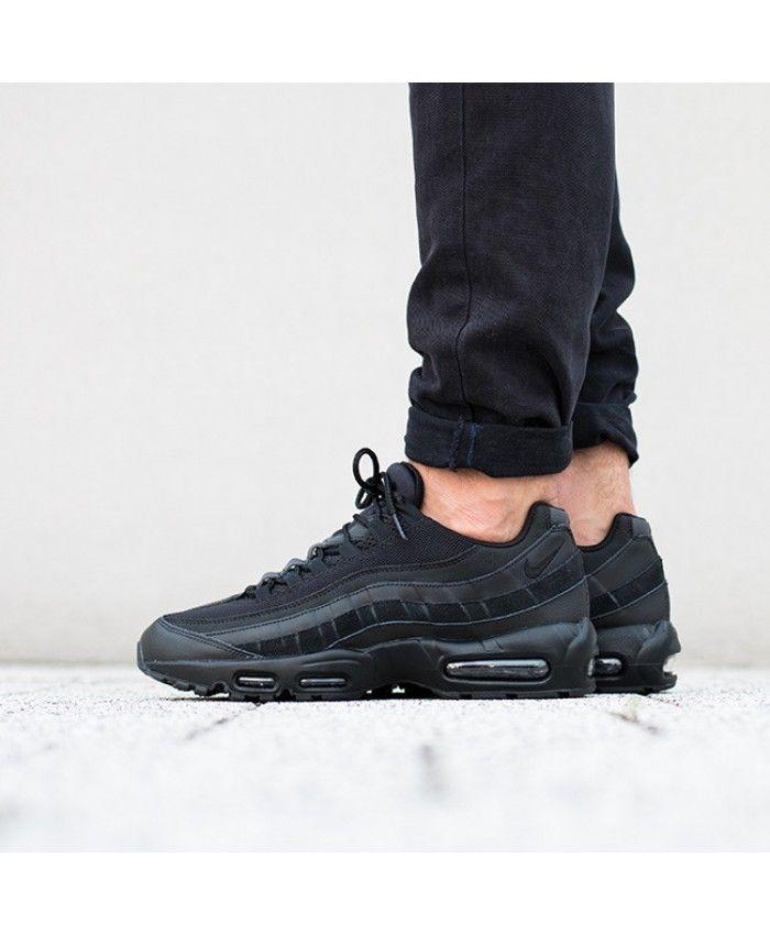 nike air max 95 essential all black trainers