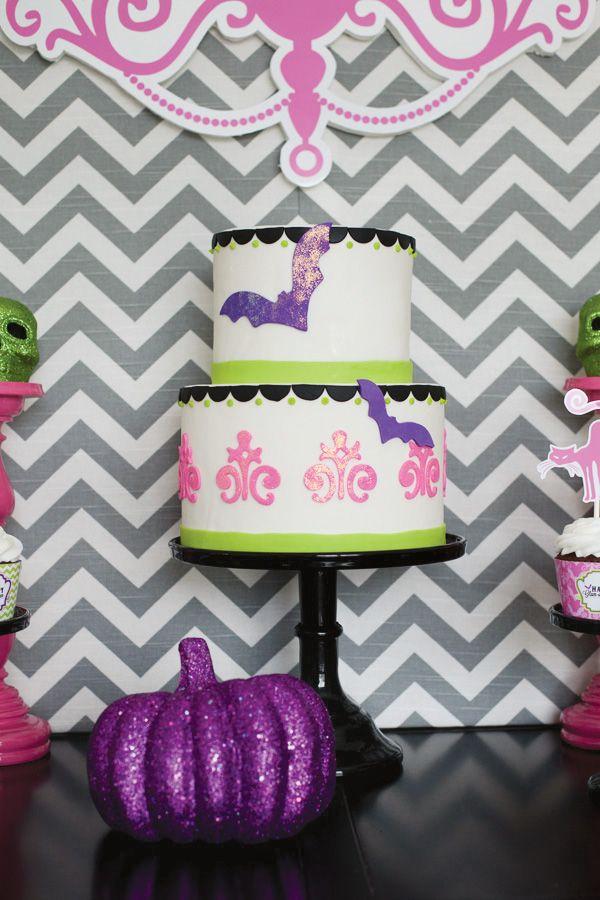 Glam-o-ween} Modern Halloween Party Modern halloween, Glitter cake - sweet 16 halloween party ideas
