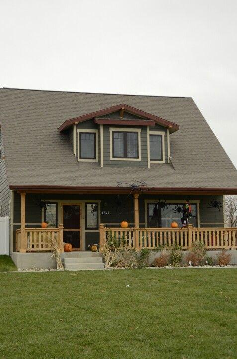 green exterior house colors roycroft bronze green for the home pinterest roycroft