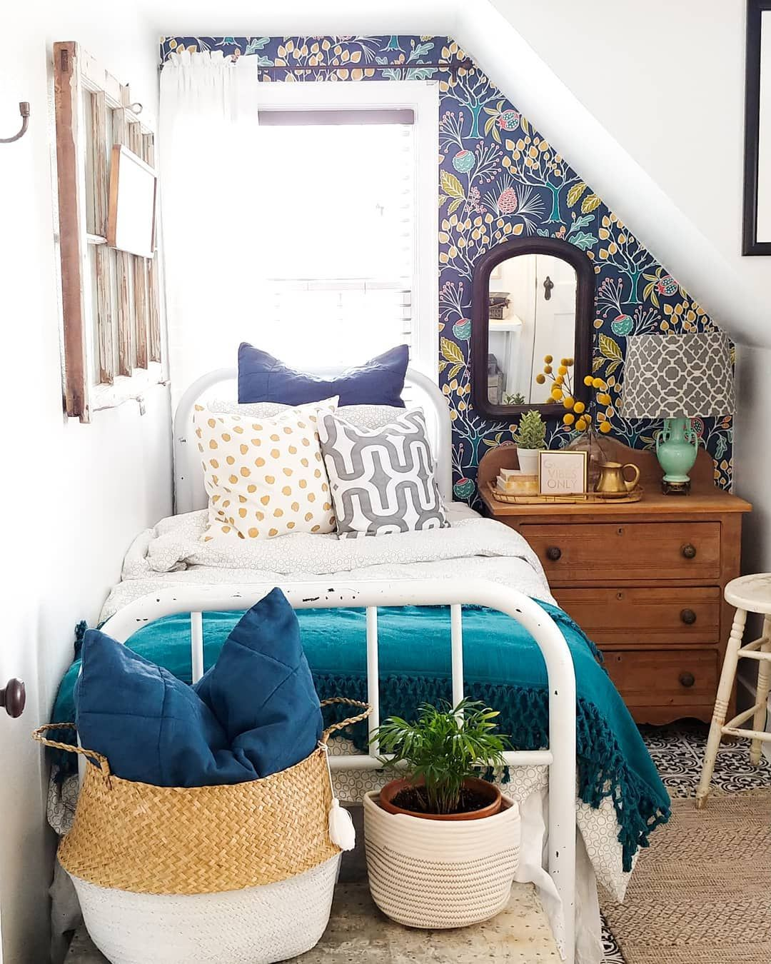 Bright And Bold Guest Bedroom: Bright And Bold Is The Name Of The Game This Summer! Try