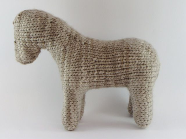 How to Stuff and Shape a Waldorf Inspired Knitted Toy Animal, a Tutorial #knittedtoys