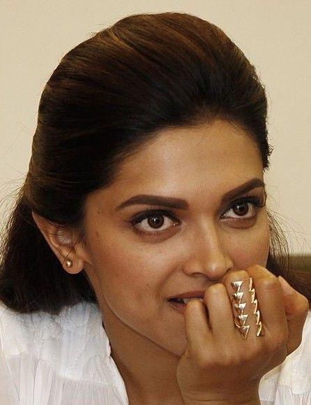 Help me find a similar ring as Deepika Padukone's ...