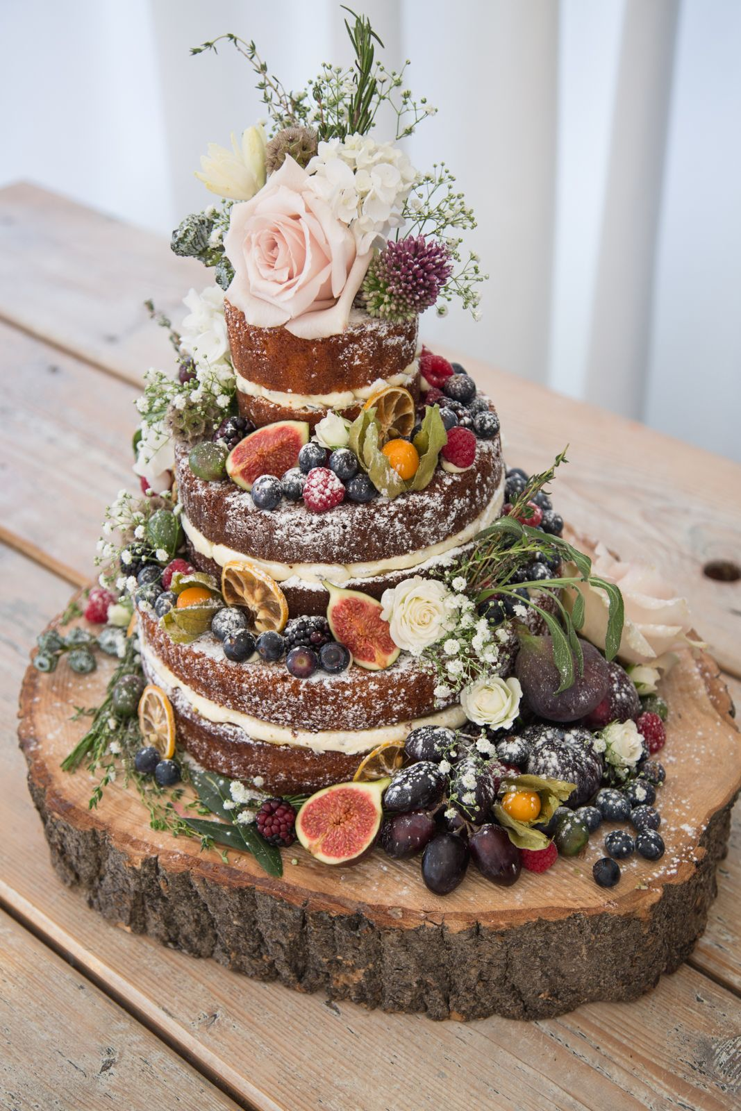 Wedding Cake Ideas - A Guide to Tiers, Portions, Icing and Fillings