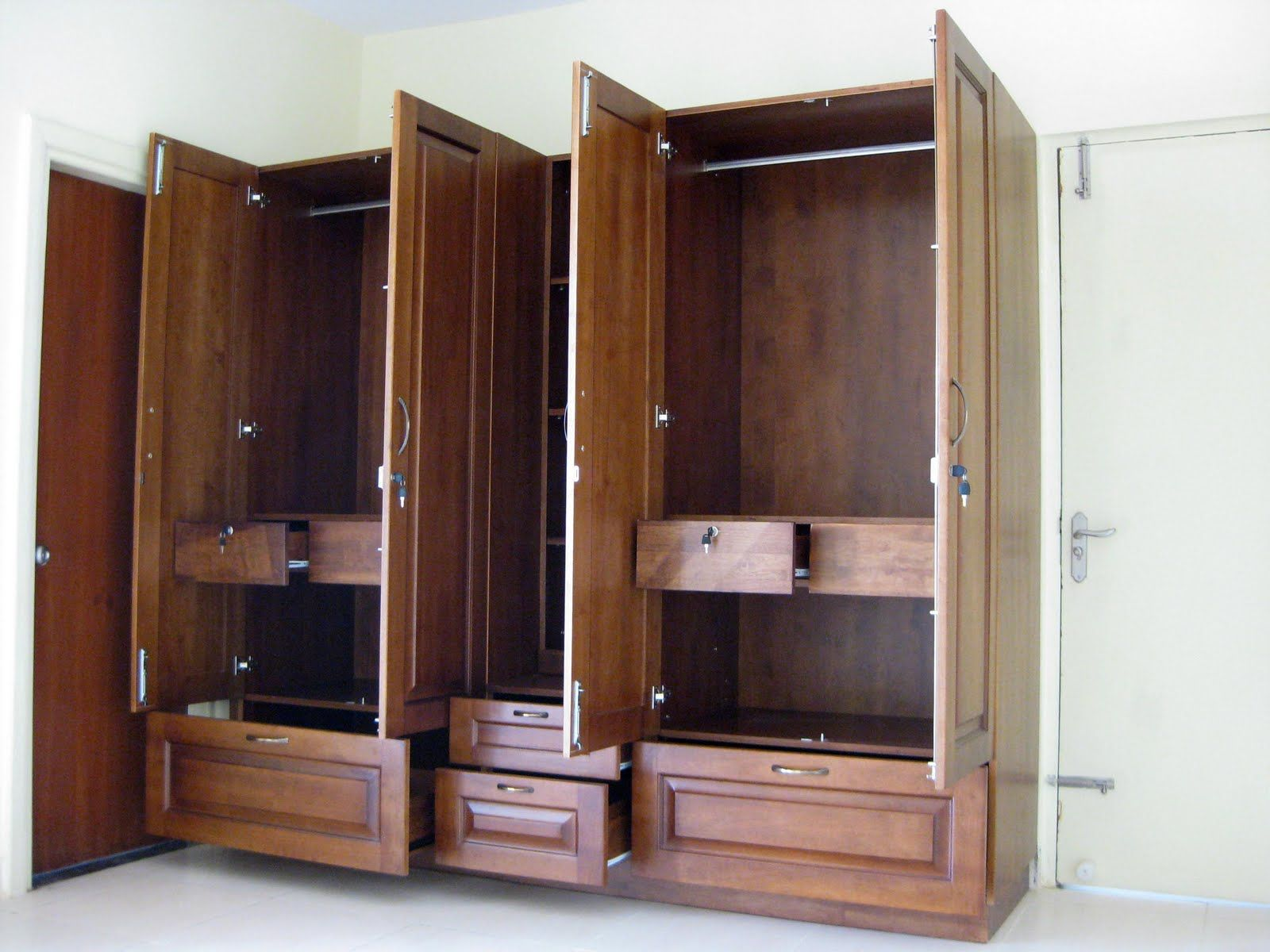 spacious wardrobes for high end wardrobesbangalore httpwwwmodular wardrobe furniturebedroom wardrobewardrobe designfurniture - Designs For Wardrobes In Bedrooms