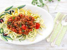 Leckere Linsen-Bolognese mit Zucchini Nudeln