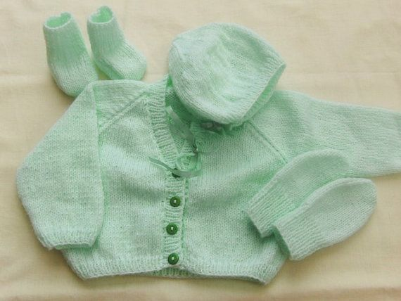 0088f7361 Pale Green 4 Piece Clothing Set for a Baby Girl
