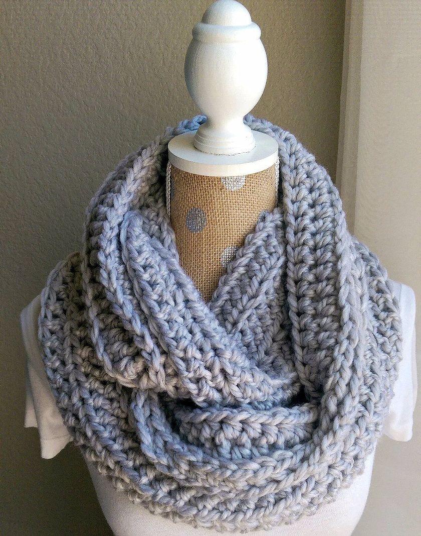 Chunky Crochet Scarf Pattern | Crochet infinity scarf ...
