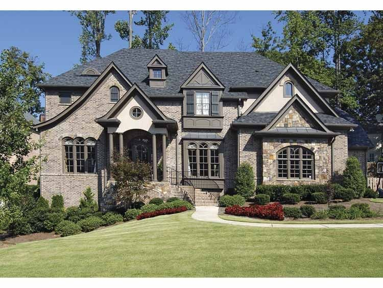 Traditional Style House Plan 5 Beds 4 Baths 4489 Sq Ft