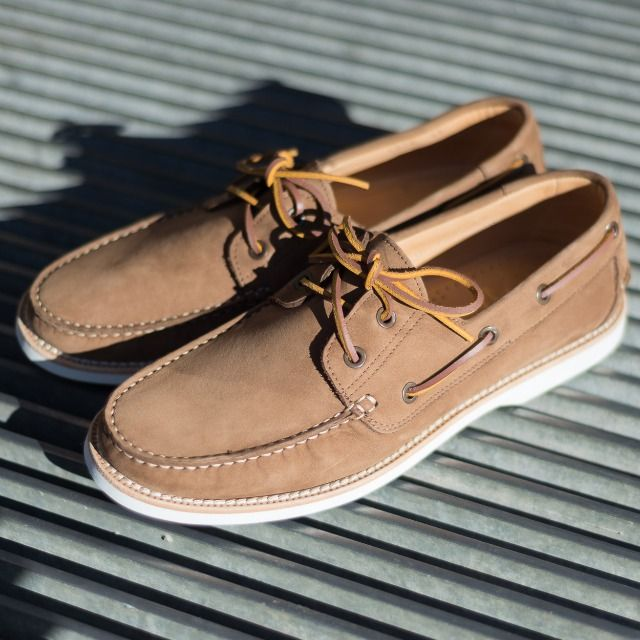 """I never felt I had enough personal style to pursue being just a guitarist."" Bruce Springsteen  Pacifich, our #boatshoes in light brown nubuck leather available online at www.velasca.com. Link in profile to #shop.  #velascamilano #madeinitaly #shoes #shoesoftheday #shoesph #shoestagram #shoe #fashionable #mensfashion #menswear #gentlemen #mensshoes #shoegame #style #fashion #dapper #men #shoesforsale #shoesaddict #sprezzatura"