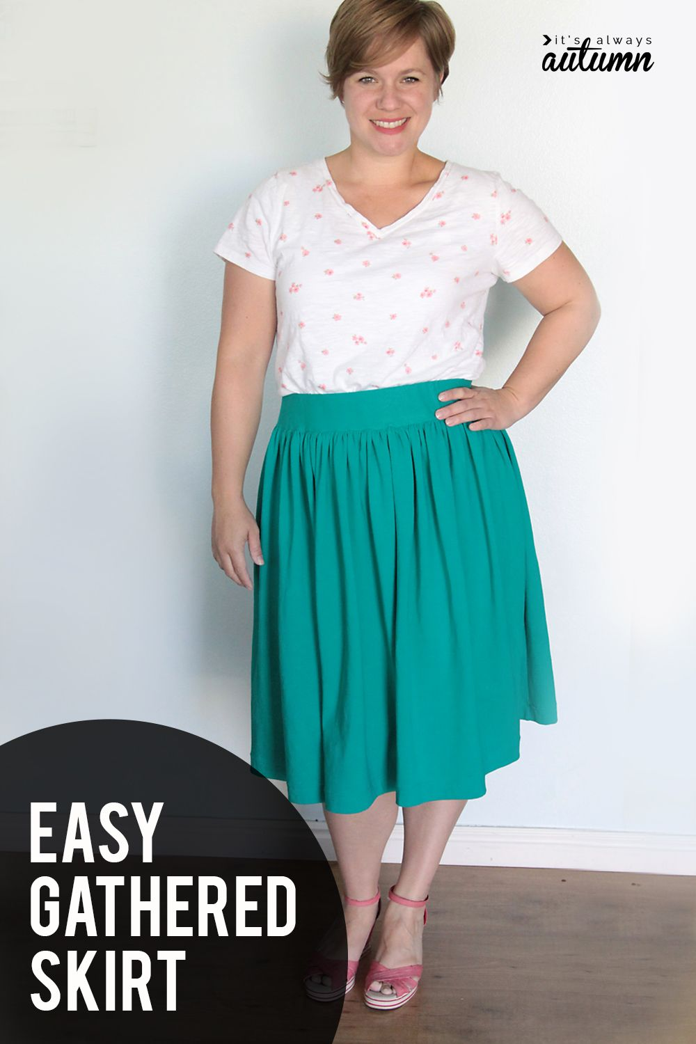 How to make a DIY gathered skirt! Easy gathered skirt tutorial with a flat elastic waistband. #itsalwaysautumn #skirt #gatheredskirt #diyskirt #skirtsewingpattern