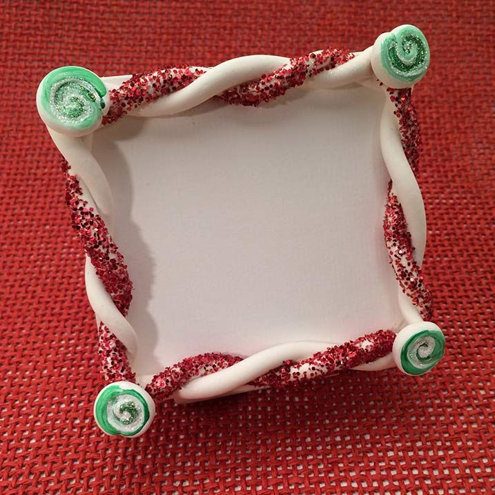 Christmas Picture Frame Craft Ideas Part - 45: Christmas Frame: Candy Cane Inspired Holiday Craft