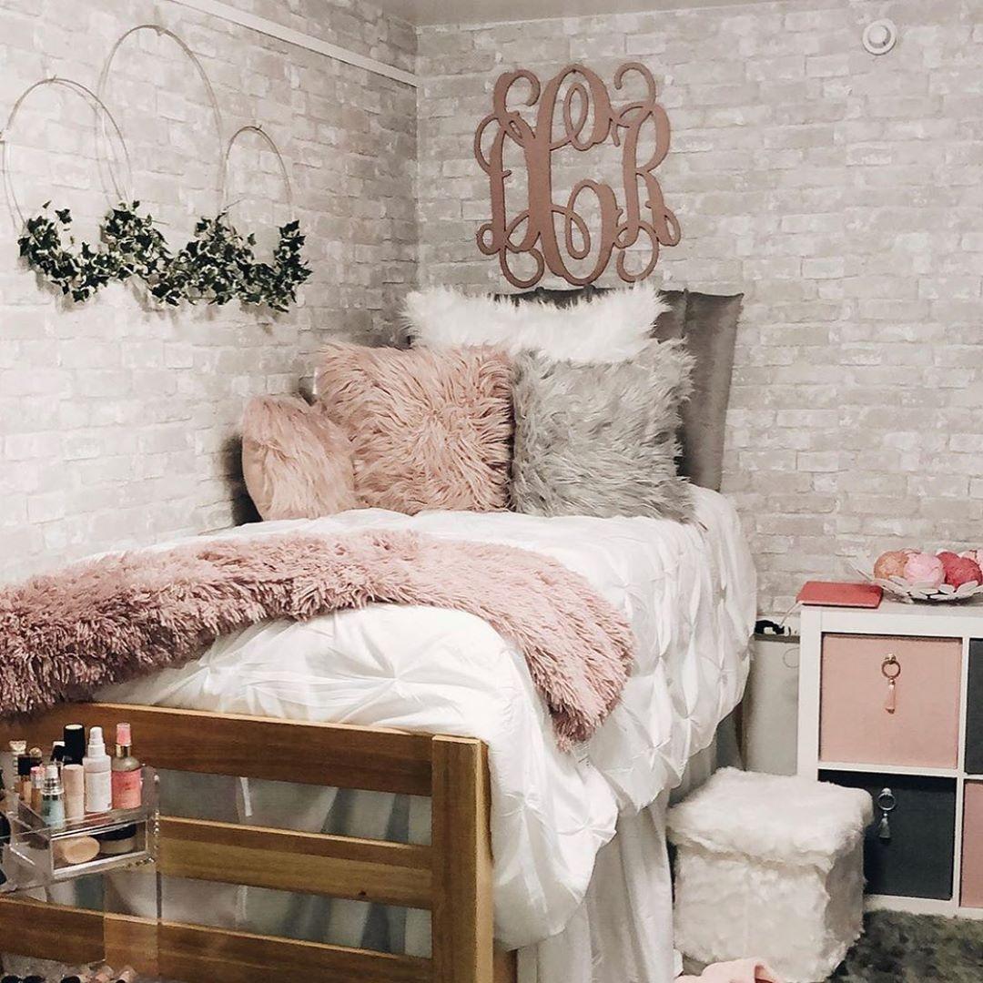 Dormify On Instagram All The Faux Fur White Brick Wallpaper Bedroom White Dorm Room Box Room Bedroom Ideas