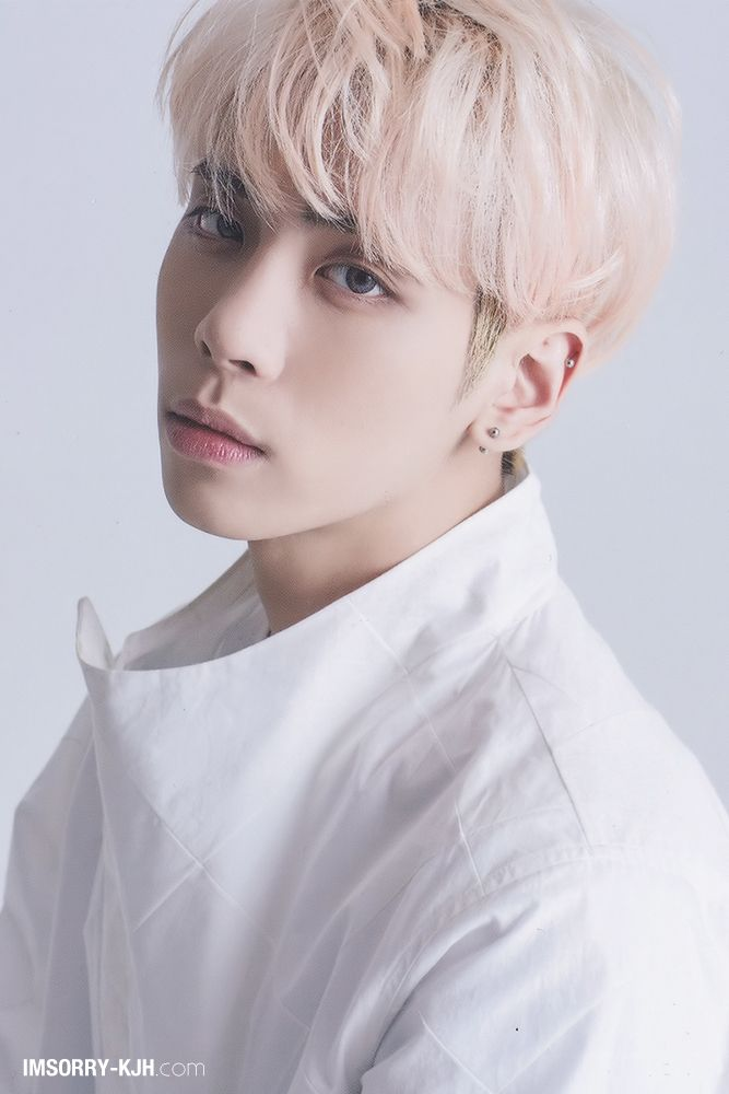 Shinee Jonghyun Shinee Pinterest Shinee Kpop And Idol