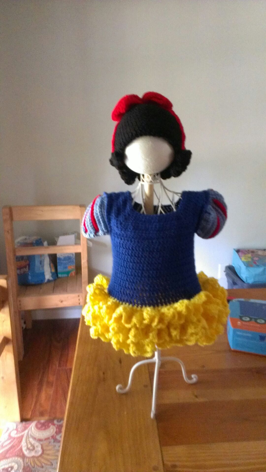 Snow white dress and wig hat can be seen on Etsy | Crochet by Cindi ...
