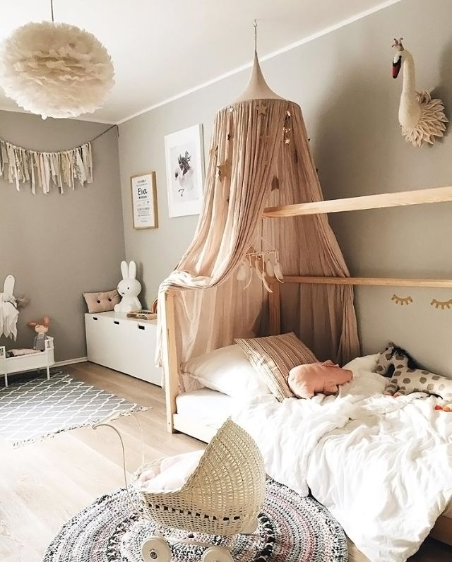 Love This Gorgeous Little Girl S By 2elfenkinder Vita Eos Light Shade And Miffy La Idee Deco Chambre Bebe Fille Deco Chambre Enfant Decoration Chambre Enfant