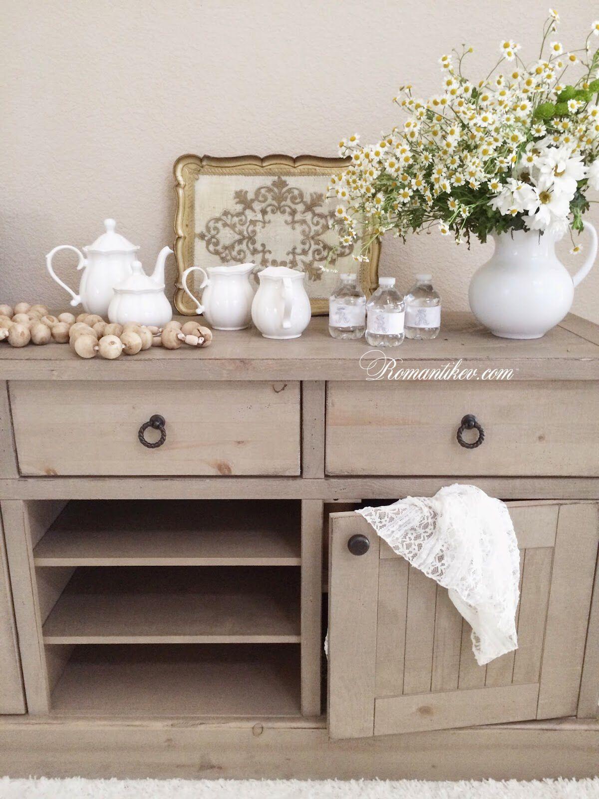 Pin en recibidores shaby chic o vintage for Muebles encantadores del pais elegante