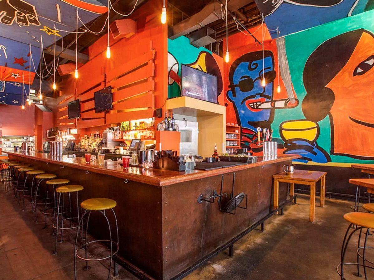 15 Restaurants For Kid Friendly Carryout In Los Angeles Lunch Deals Santa Monica Restaurants Los Angeles Restaurants