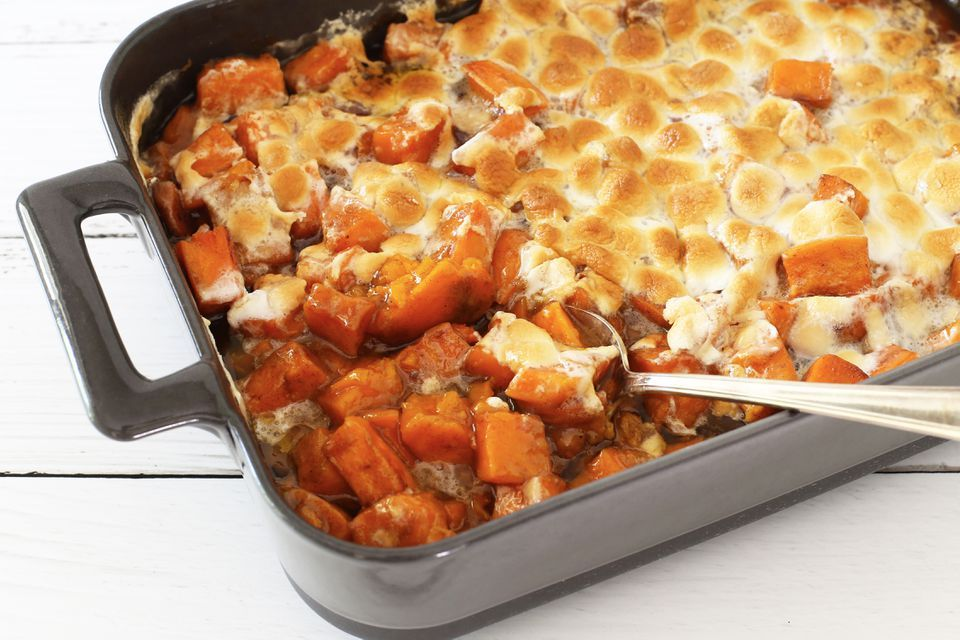 An Old-Fashioned Thanksgiving Favorite: Candied Yams With Marshmallows #candiedyams