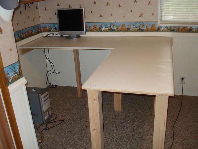 Easy diy desk reference joining two 2x4 for a square leg for Easy diy desk