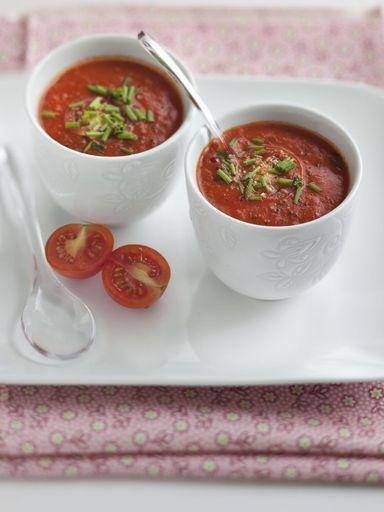 soupe la tomate express recette recettes blender. Black Bedroom Furniture Sets. Home Design Ideas