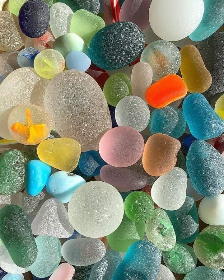 Beautiful and Colourful Sea Stones Colourful wallpaper