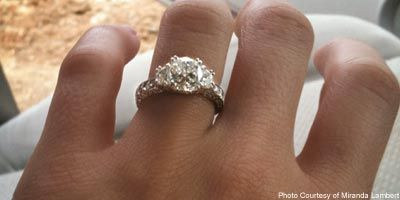 miranda lambert\'s engagement ring, can\'t find 1 thing I don\'t lo ...