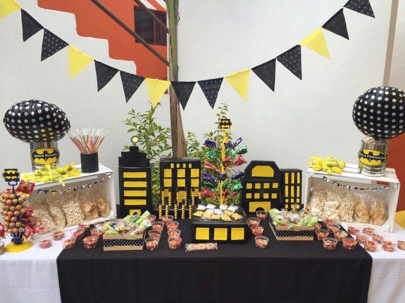 Mesa de dulces y botanas de Batman Fiesta de cumpleaos batman