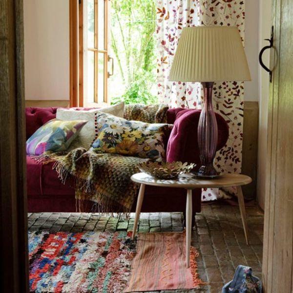 dunkelrosa-Farbe-shabby-chic-Dekoration-romantisches-Wohnzimmer - shabby chic deko wohnzimmer